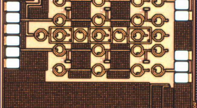 A UWB distributed RF front-end in 130nm CMOS process