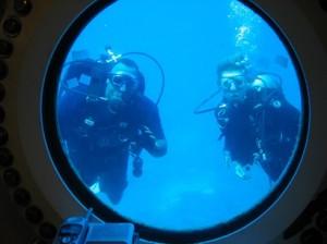 Diving with NASA mission specialist, NASA Extreme Environment Mission Operations, Florida Keys Image: NASA