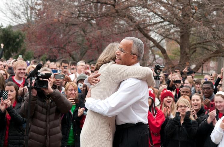 Al Bowman rally hugs Linda Bowman