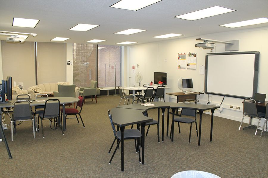 The DeGarmo Exploratorium. More than 2 dozen computers are also available for students to use.