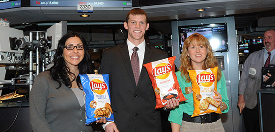 Finalists hold chip bags