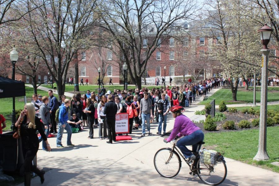Students line up on Quad