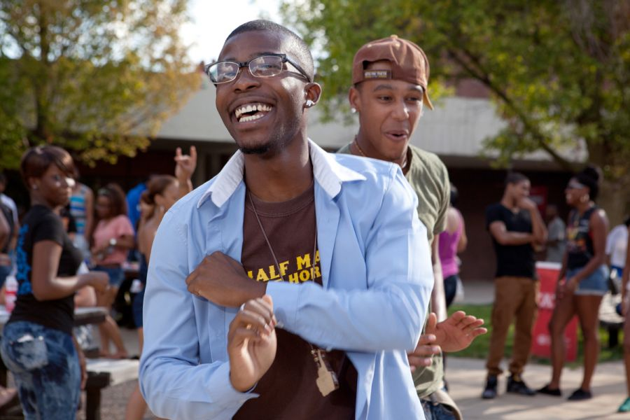 student dancing at the Kick-Off Que