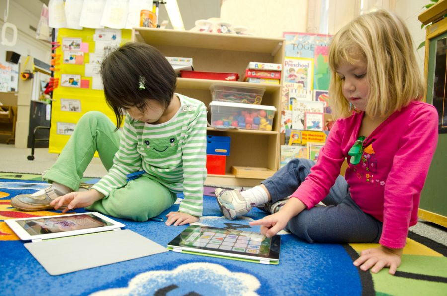 Students use iPads