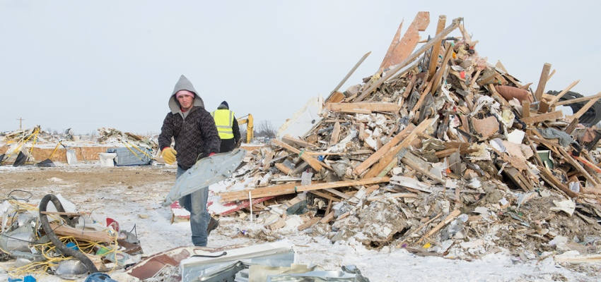 Illinois State student helps with tornado cleanup