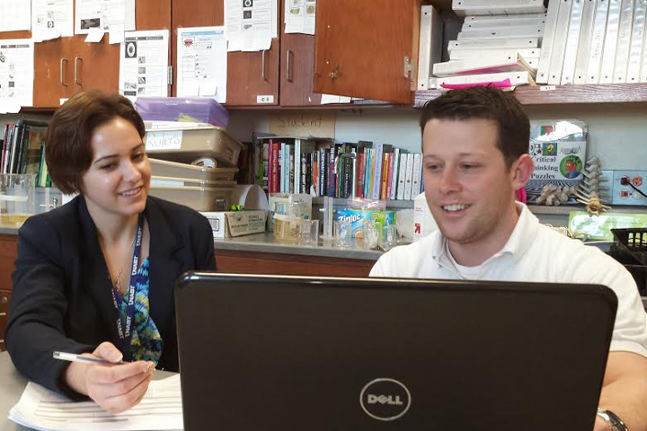 Illinois State alumnus Kevin Templin '10 works with his mentor, Jenny Sarna as part of the Pipeline's induction and mentoring program.