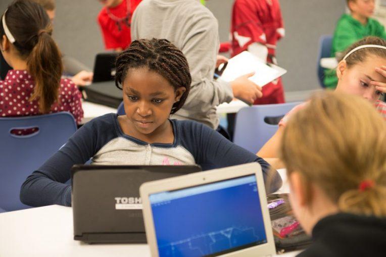 Thomas Metcalf School will offer a summer robotics camp for girls in grades 5-8.