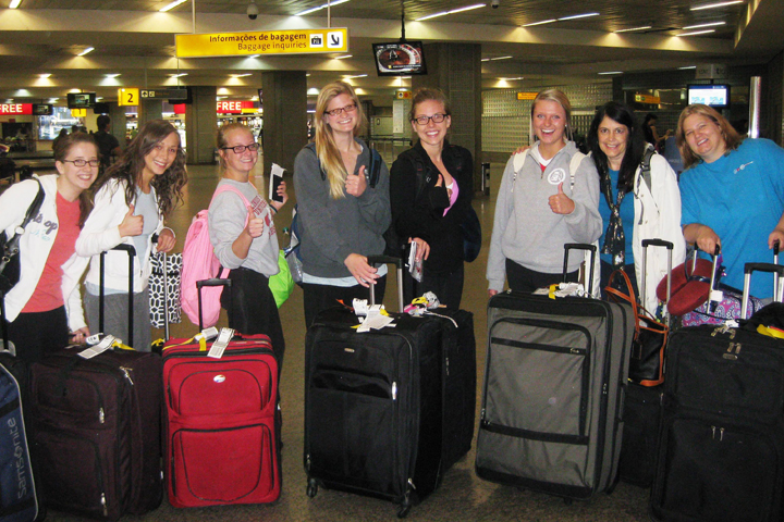 MCN Students at Airport