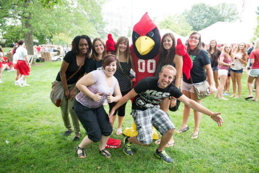ISU students pose with Reggie
