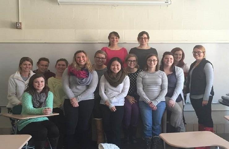 The graduate clinicians and Dr. Lindsay Bondurant.