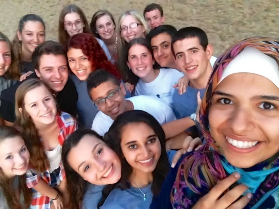 The 2014 Friends Forever delegation and American teens enjoying a fun evening at Timber Point.