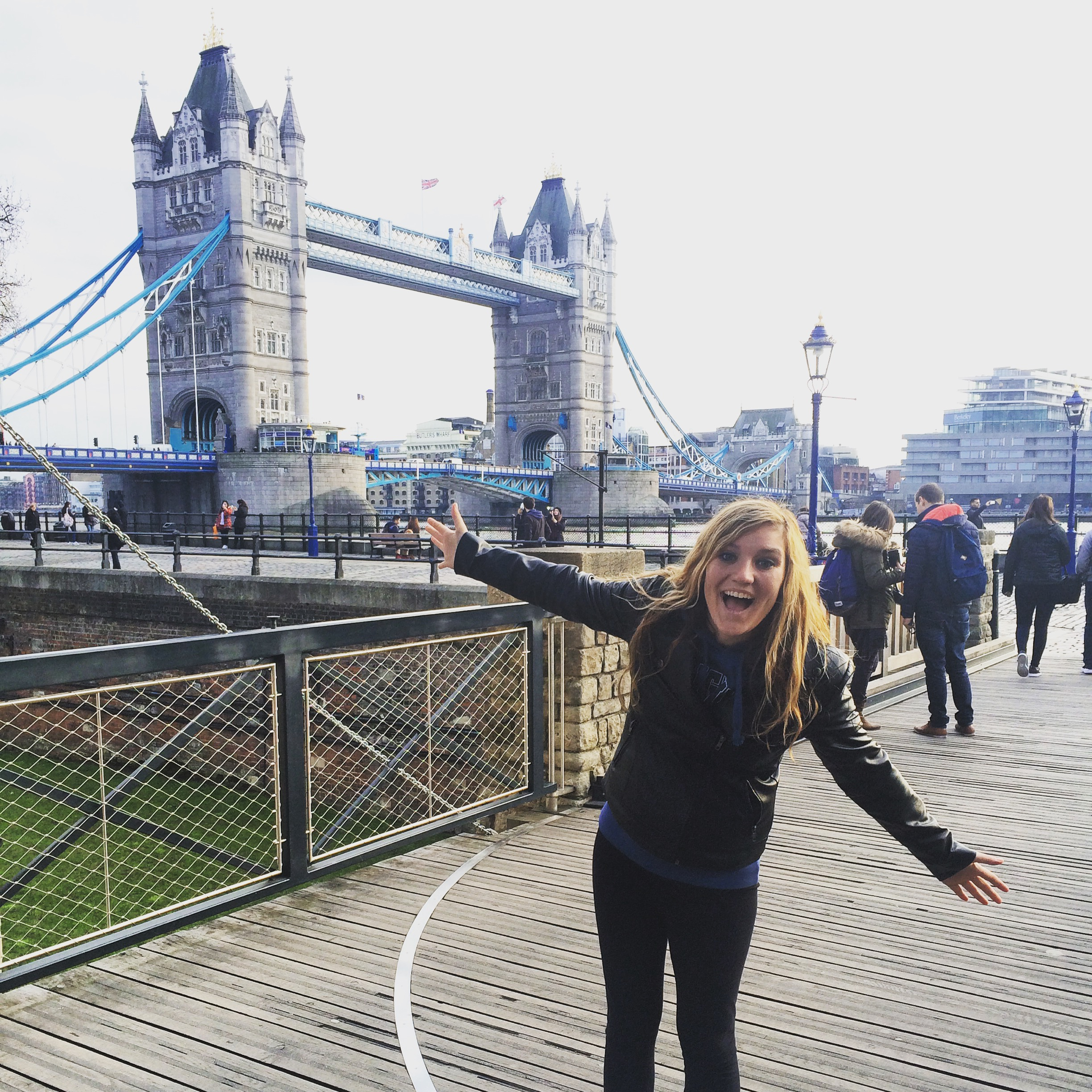 Kelly Papanicholas in front of the Tower Bridge
