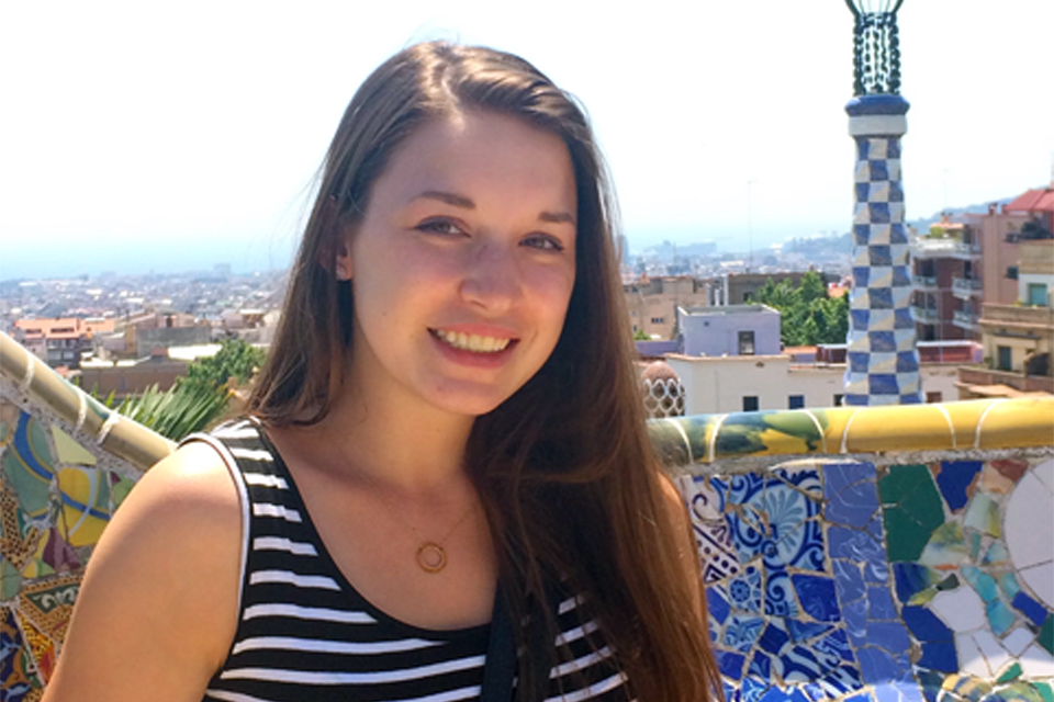 Kelsey Seegers, a bilingual/bicultural elementary education studies in Spain during the summer of 2015.