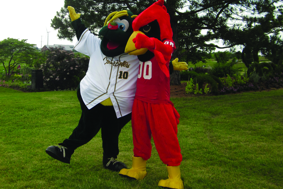 Corny and Reggie pose for pictures at the 2015 alumni night.