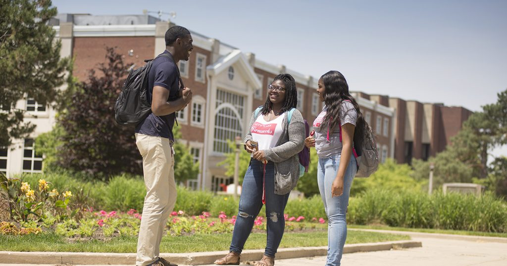 Transfer students mingle on Quad