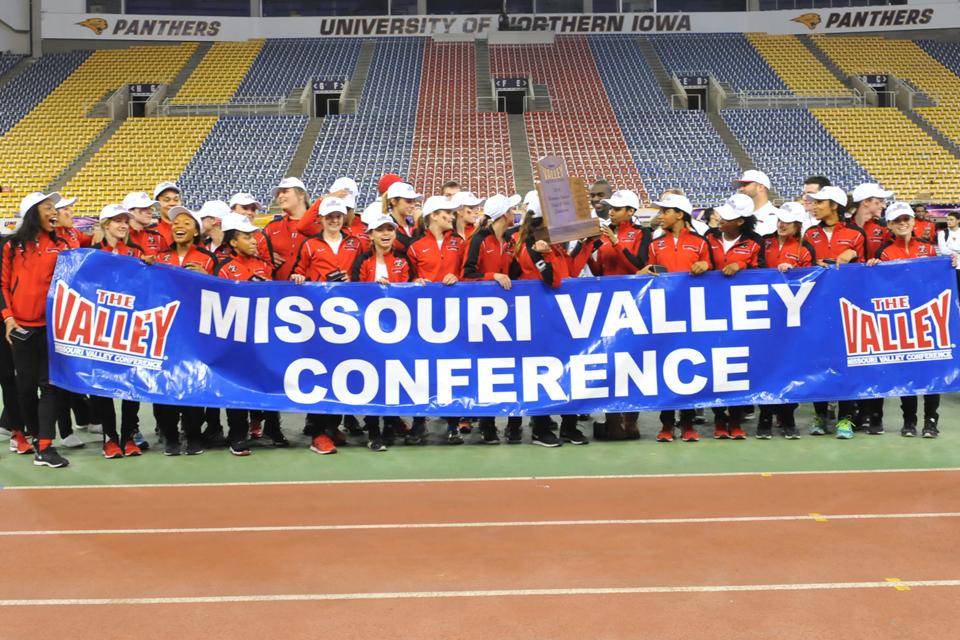 2016 women's indoor track team