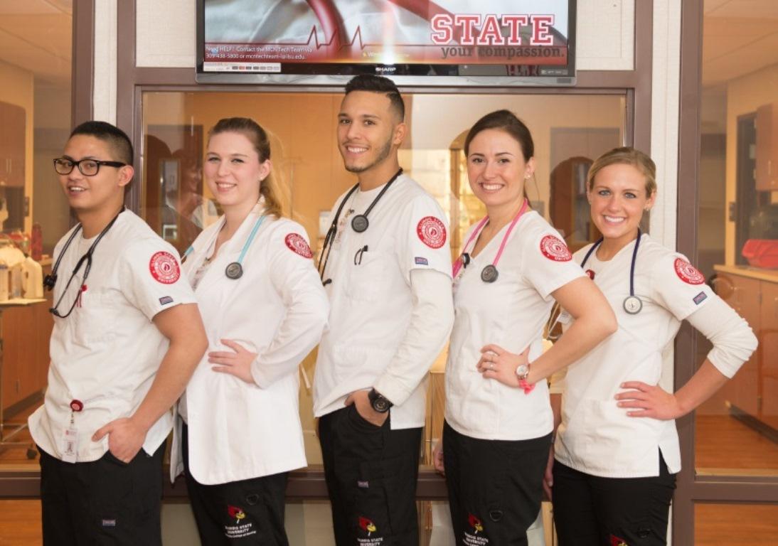 Nursing students at the lab