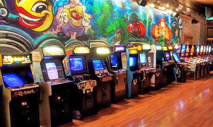 Row of arcade games