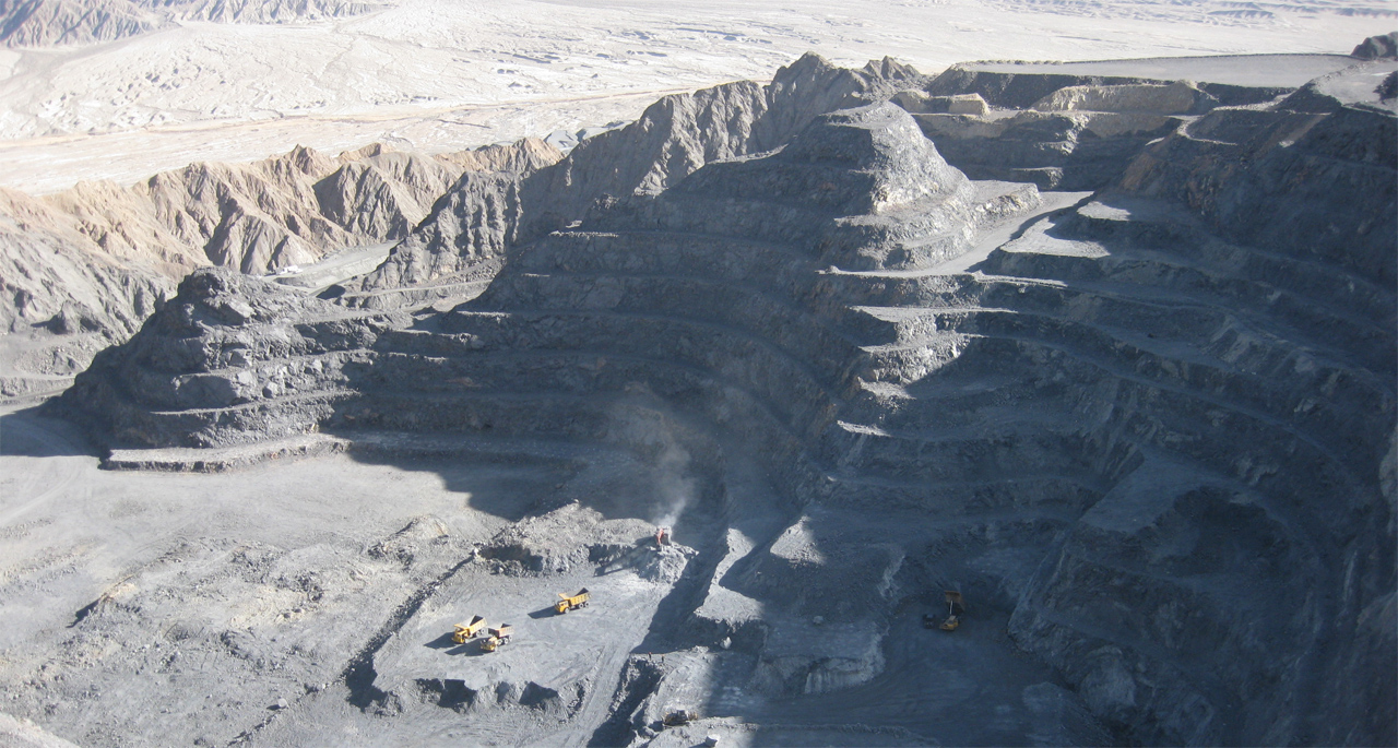 Image of a gold mine in China from mining.com.
