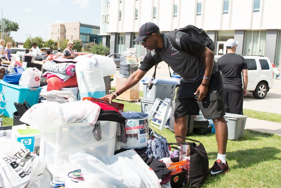 Fall 2016 Move In Tri Towers
