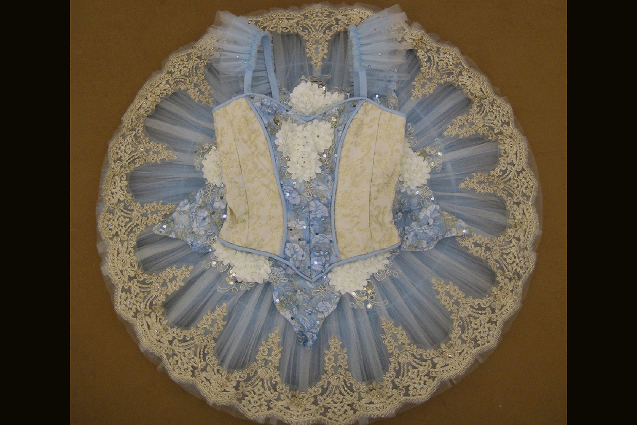 Photo of the completed tutu, laid flat