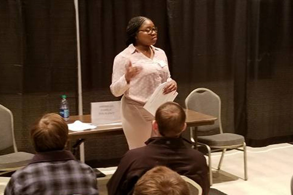 Natassia Dunlap '17 shares the value of networking with students at the Career Center's InstaCareer in February.