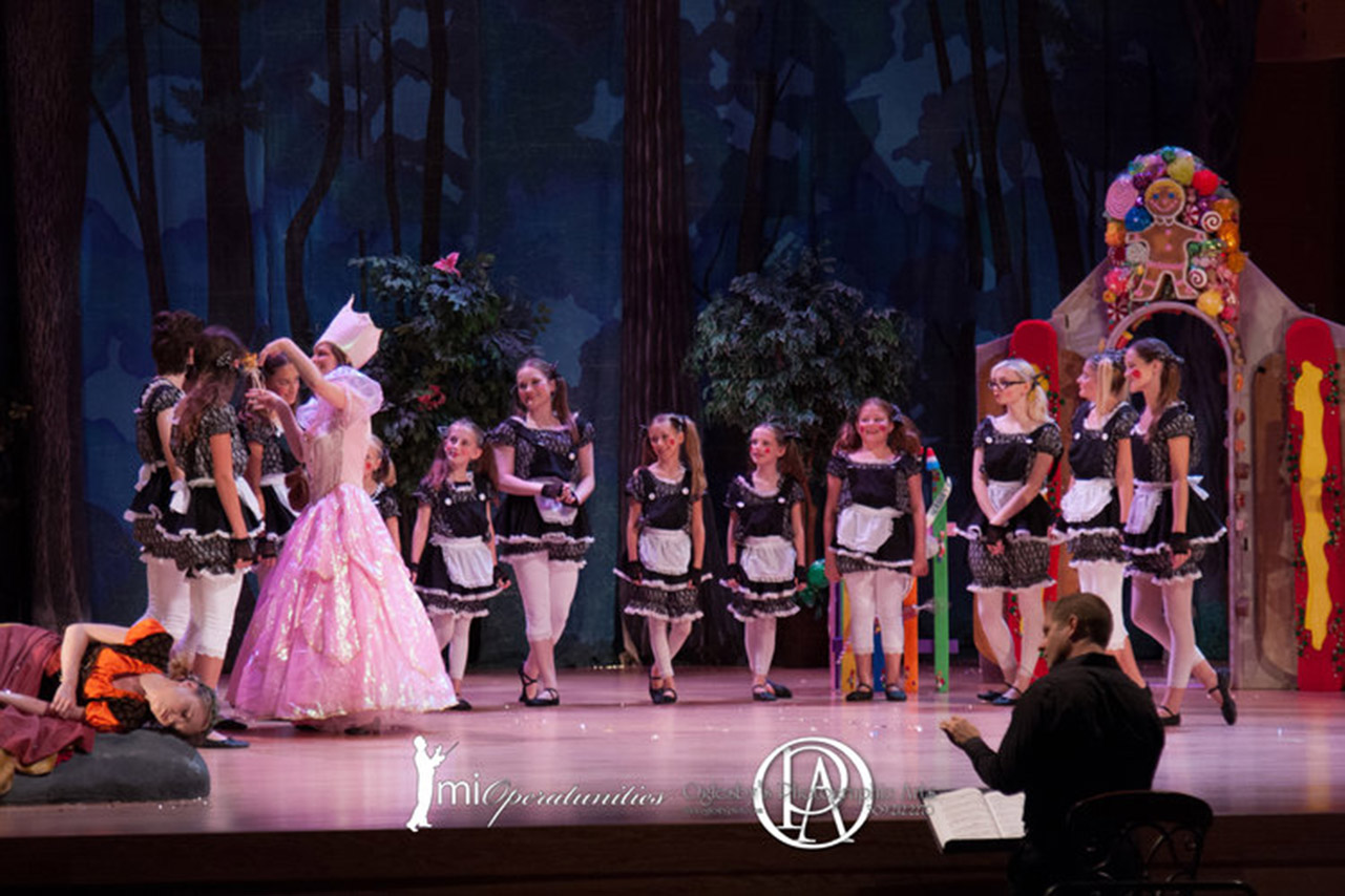 Image from 2016 MIO performance of Hansel and Gretel.