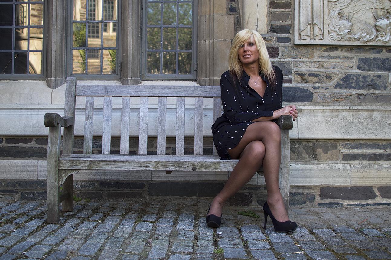 Jessica Lynn sitting on a bench at Oxford