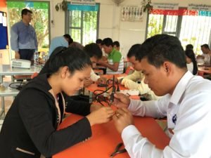Students working on STEM projects in Cambodia during a Fulbright with Park Do-Yong