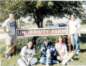Honors students visit the University Farm