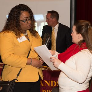 employers select canddiates at career fairs