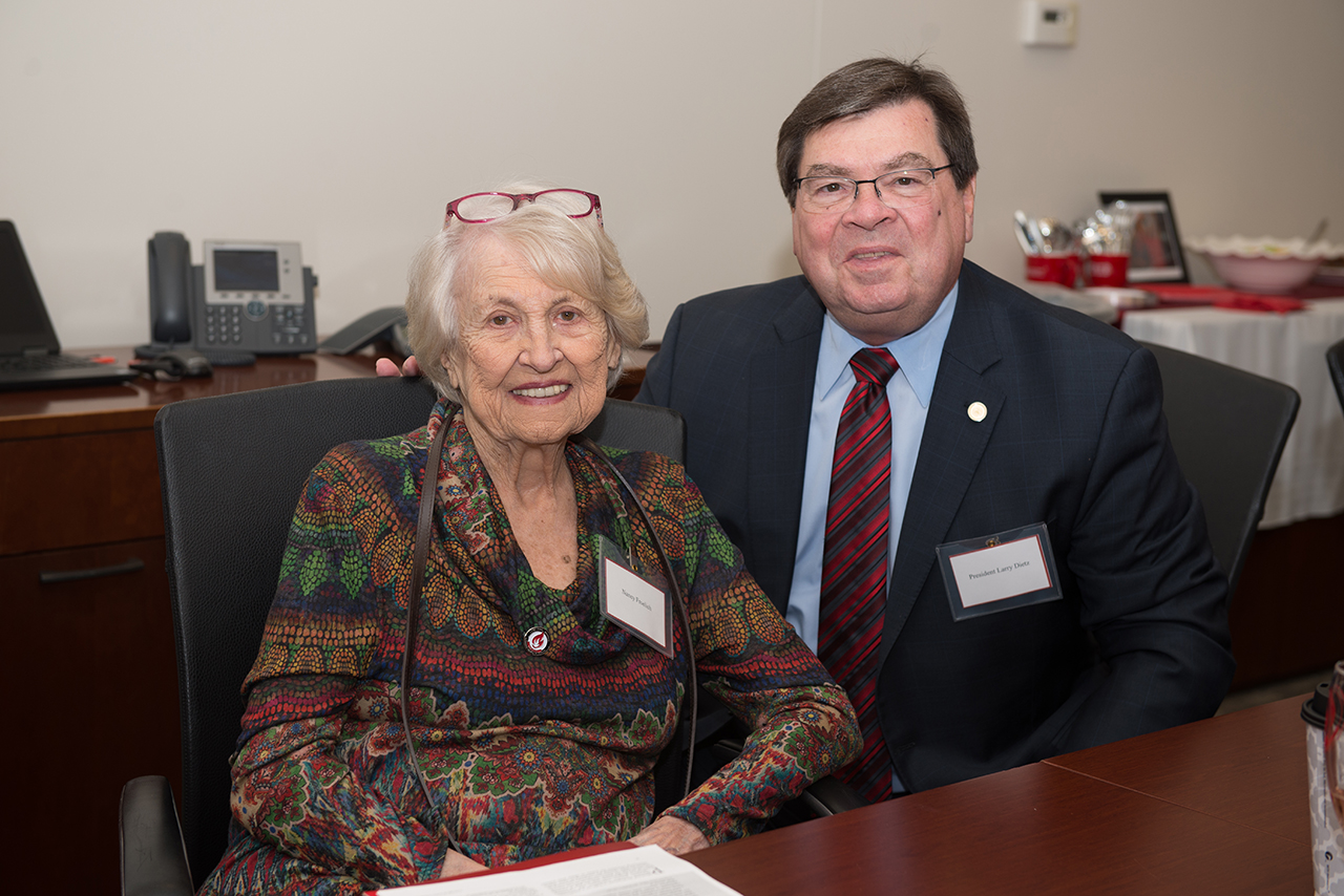 MCN supporter Nancy Froelich and President Larry Dietz
