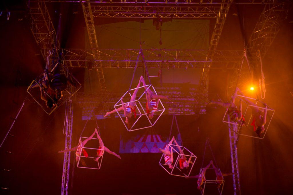 Gamma Phi Circus aerial performers.