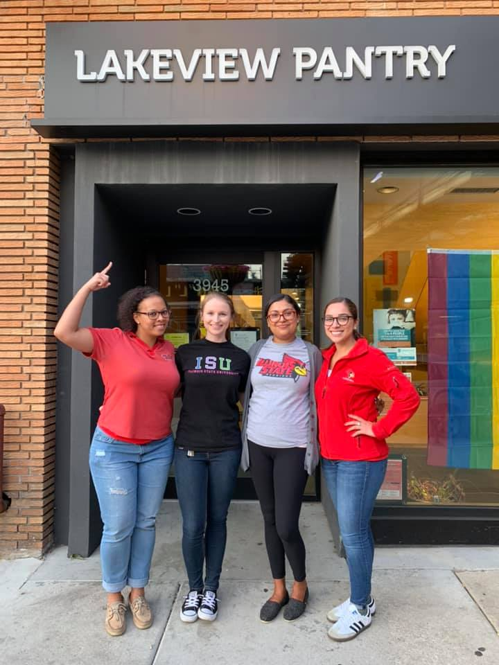The Chicago Young Alumni Network volunteered at the Lakeview Pantry during #RedbirdImpact Month.