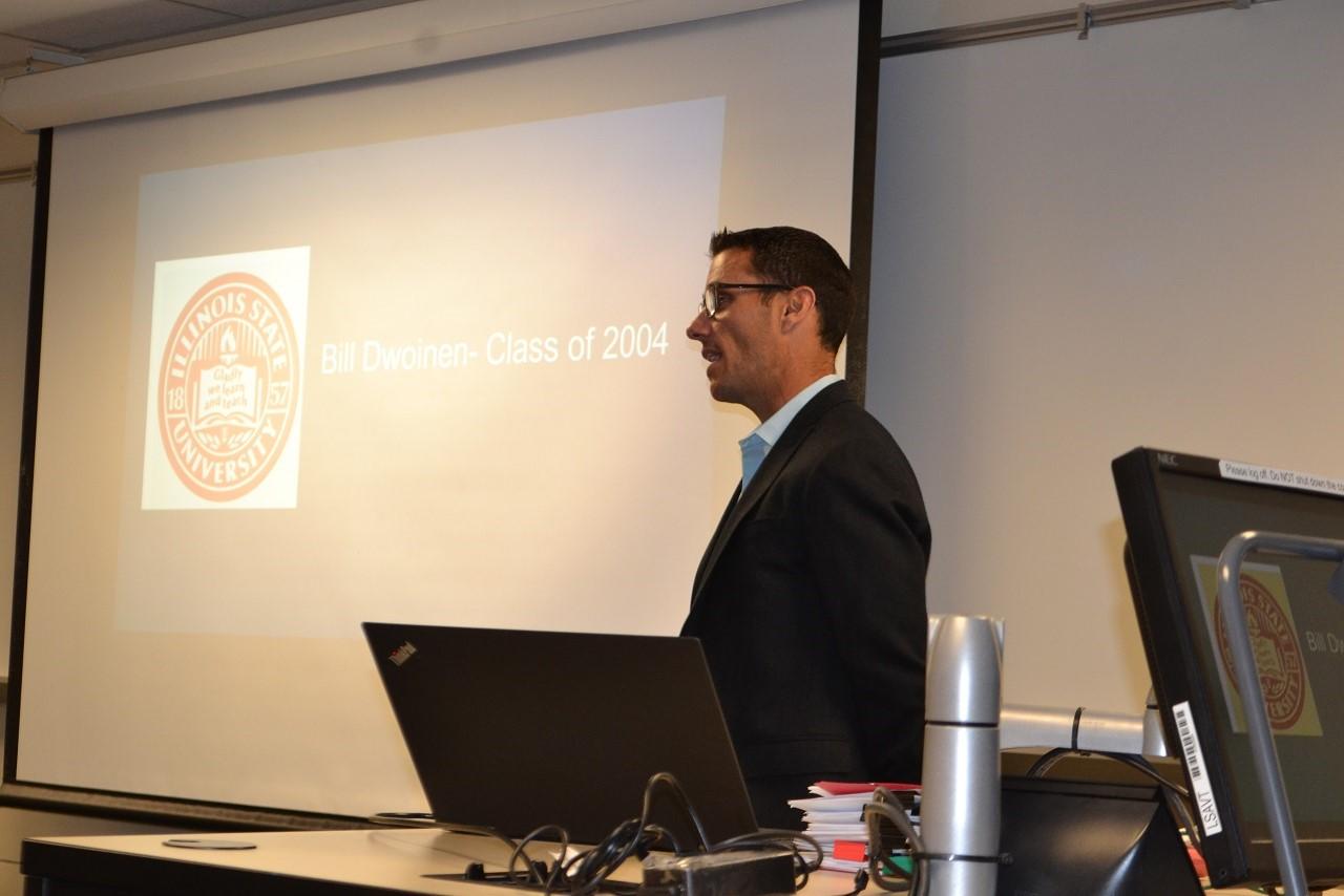 Bill Dwoinen giving a lecture in class