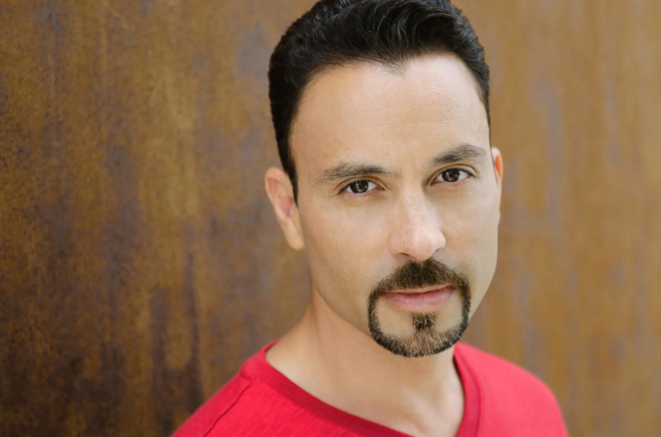 headshot of Eric Aviles