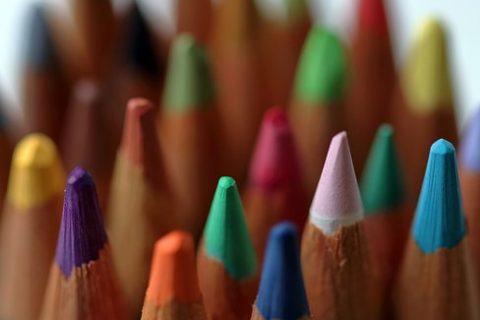 Rows of coloring pencils