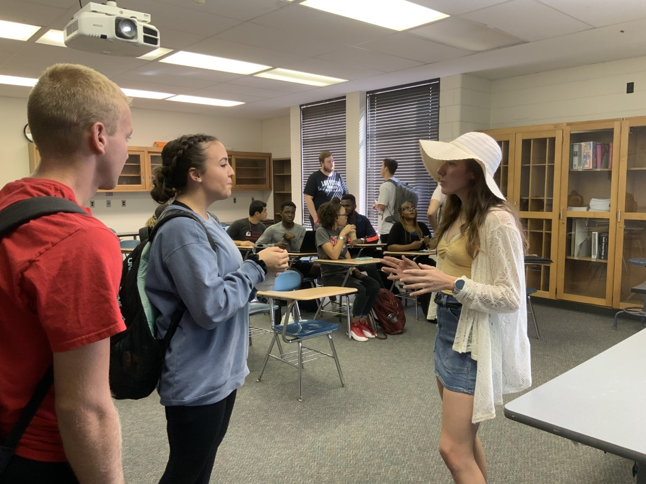 Anna Kastelic talks with students
