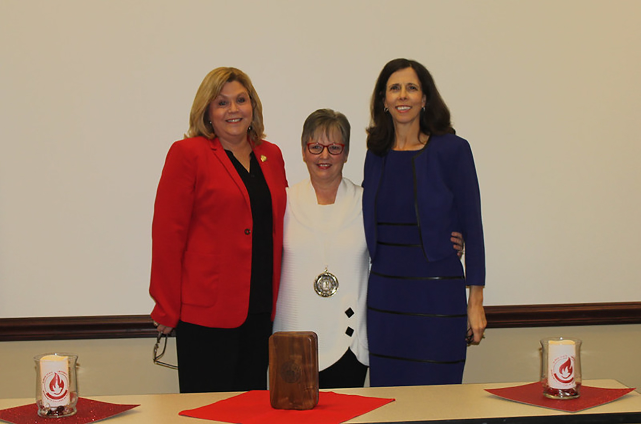 Left to right: Laurie Round, Chief Nursing Officer, Advocate Bromenn Medical Center/Advocate Eureka Hospital; Dr. Marilyn Prasun; MCN Dean Judy Neubrander