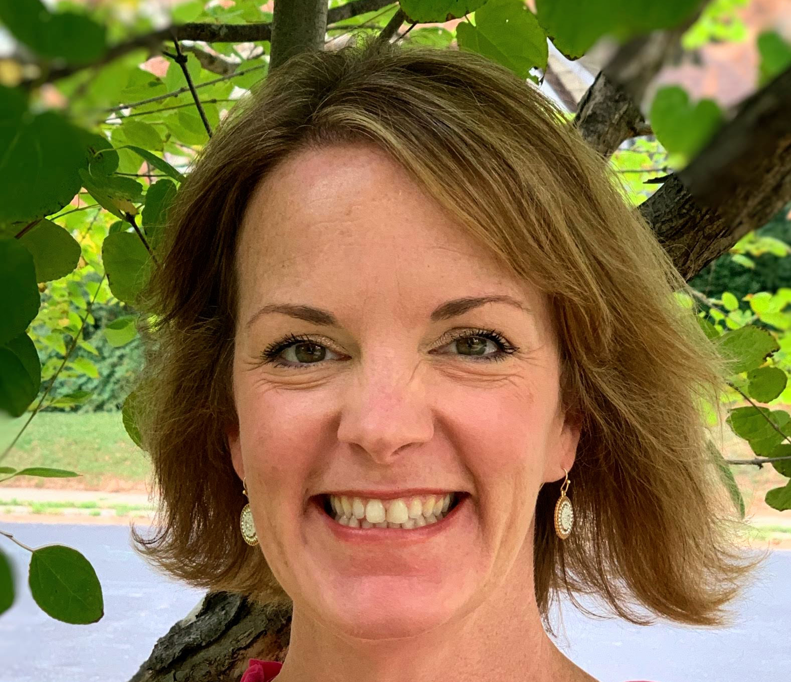 headshot of Dr. Jennifer Friberg