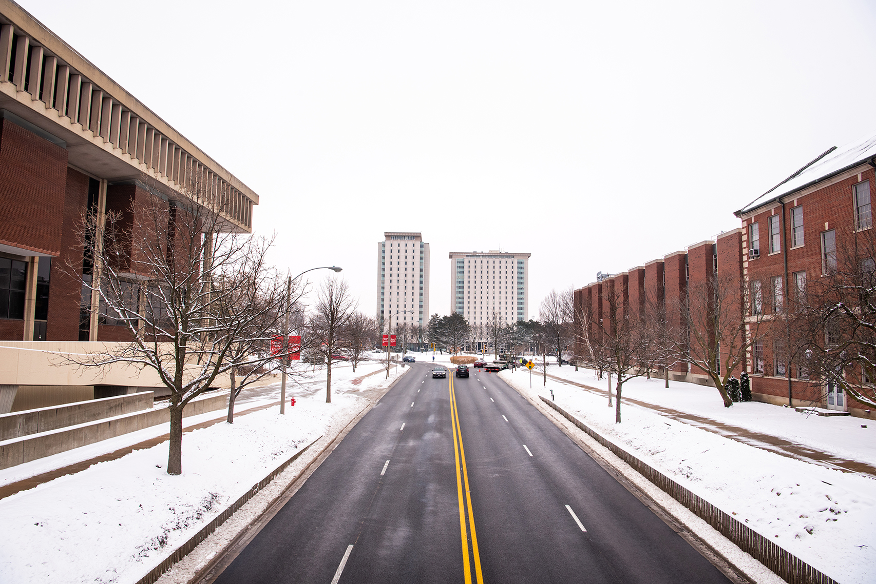 College Avenue looking toward Hewett and Manchester Halls