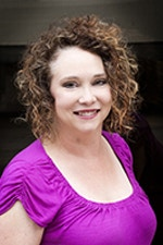headshot of Dr. Robyn Seglem