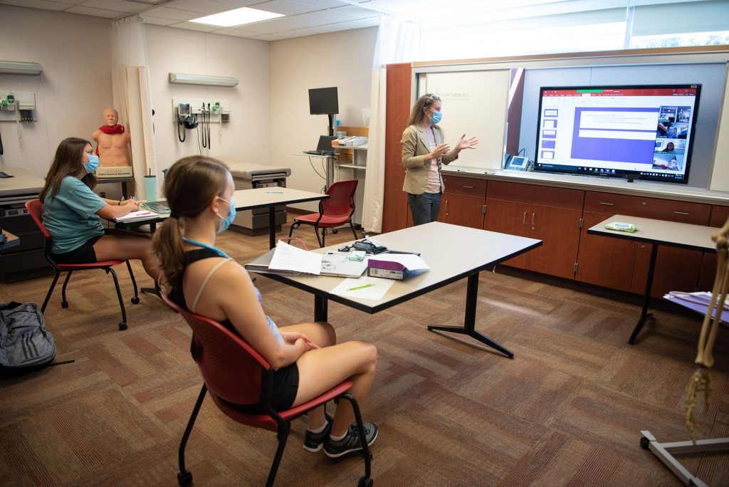 Students get lectured in MCN nursing lab