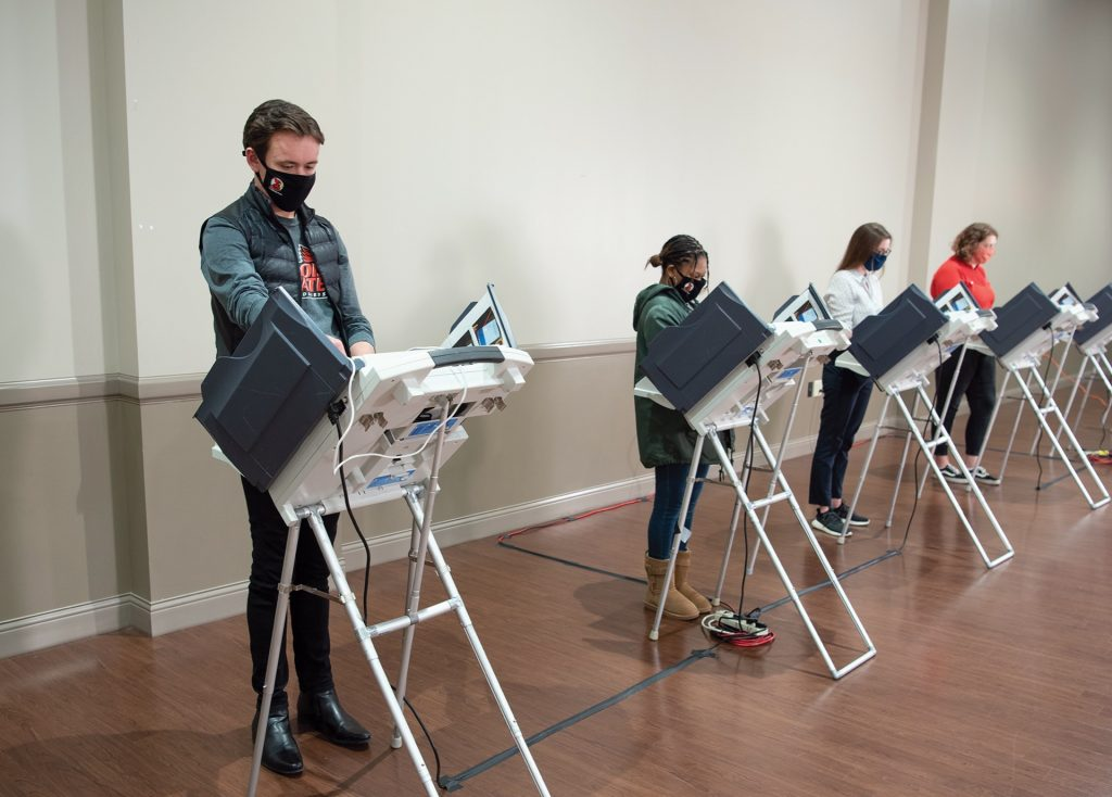 Students voting at the Bone Student Center