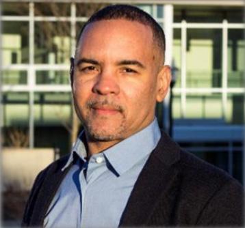 headshot of Dr. Dean Robinson
