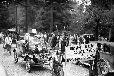 Illinois State University's homecoming parade in 1931.