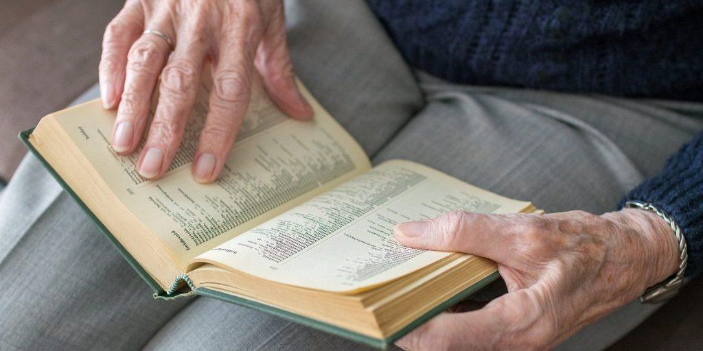 book-3188290_1920