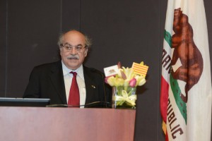Conseller Mas-Colell speaks at UCI.