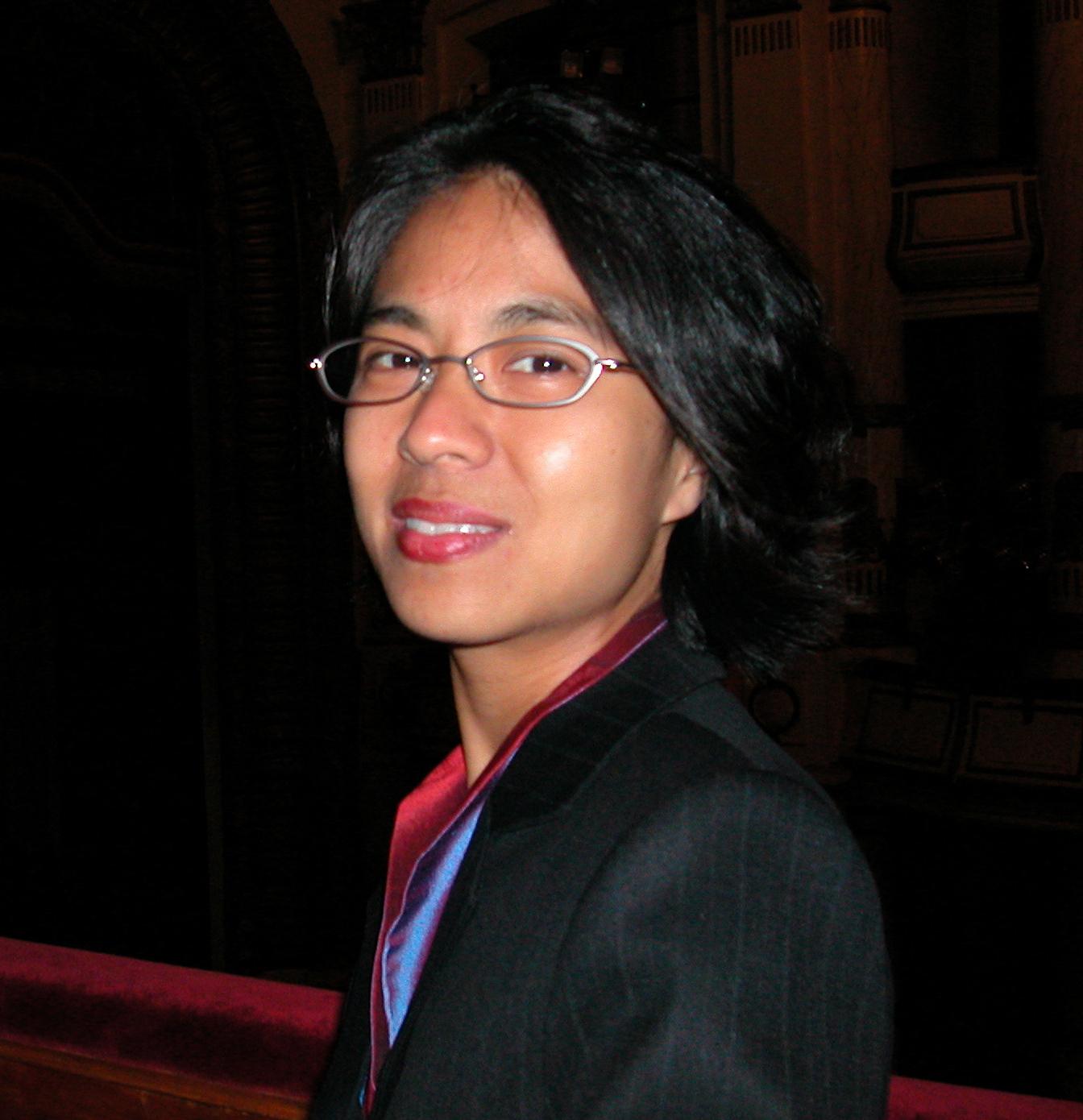 Lana Lin Headshot