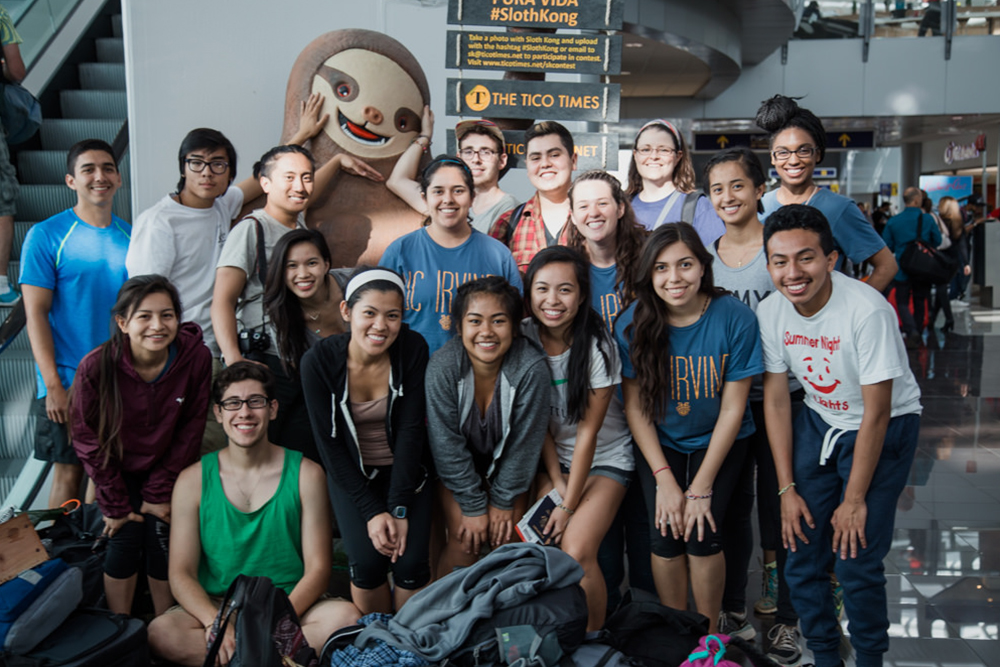 Group photo of 2015 Costa Rica Program participants